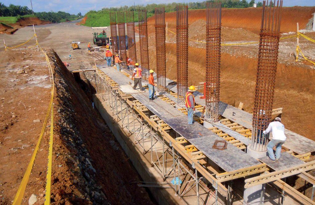 Pilas de apoyo central puente interc