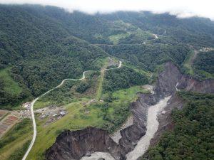 Ecuador inicia trabajos para definición de variante en el sector El Reventador_FOTOobraspublicas 2